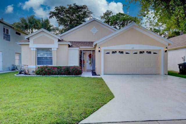 120 Paddock Lane, Greenacres, FL 33413 (#RX-10753605) :: Posh Properties