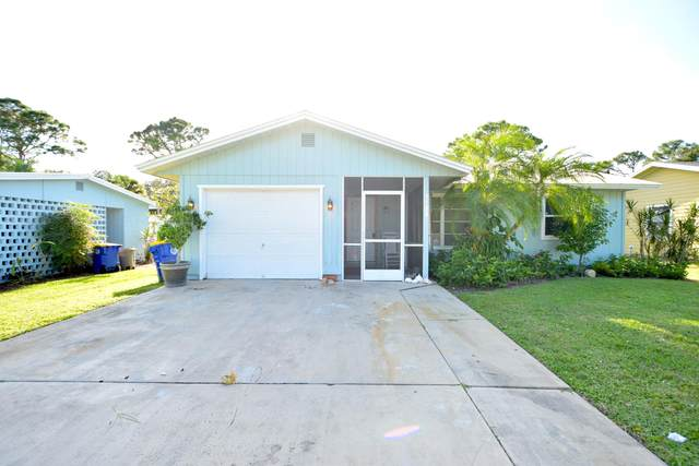 5588 SE Avalon Drive, Stuart, FL 34997 (#RX-10753912) :: Treasure Property Group