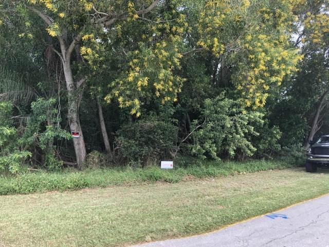 1199 SE Puritan Lane, Port Saint Lucie, FL 34983 (#RX-10754139) :: IvaniaHomes | Keller Williams Reserve Palm Beach