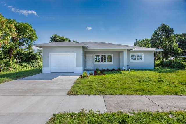 304 E Lake Road, Palm Springs, FL 33461 (#RX-10754219) :: Ryan Jennings Group