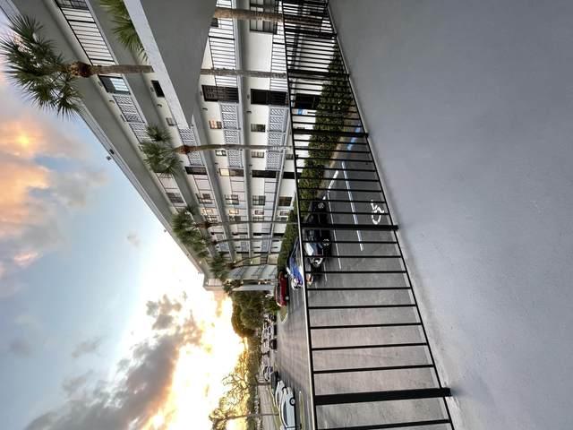 9235 SW 8th 208 Street #208, Boca Raton, FL 33428 (#RX-10754363) :: Michael Kaufman Real Estate