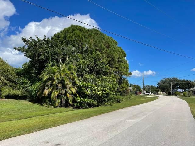 2749 SE Rawlings Road, Port Saint Lucie, FL 34952 (#RX-10754814) :: Posh Properties