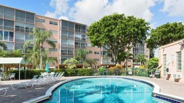 1425 Atlantic Shores Boulevard #206, Hallandale Beach, FL 33009 (MLS #RX-10366688) :: Castelli Real Estate Services