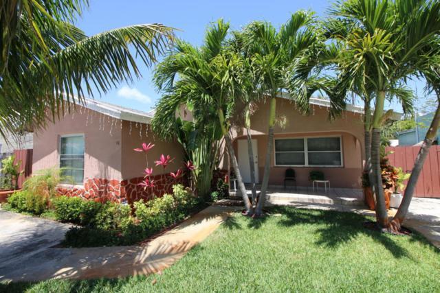 525 Avenida Hermosa, West Palm Beach, FL 33405 (#RX-10421502) :: Ryan Jennings Group
