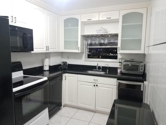 137 Golden Isles Drive #1210, Hallandale Beach, FL 33009 (MLS #RX-10480194) :: Castelli Real Estate Services