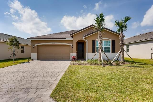 4534 NW King Court, Jensen Beach, FL 34957 (#RX-10537802) :: Ryan Jennings Group