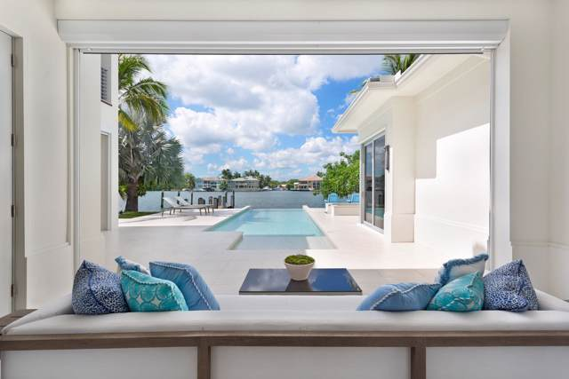 946 Seasage Drive, Delray Beach, FL 33483 (#RX-10571927) :: Ryan Jennings Group