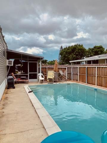 7685 SE Wren Avenue, Hobe Sound, FL 33455 (MLS #RX-10574177) :: Castelli Real Estate Services