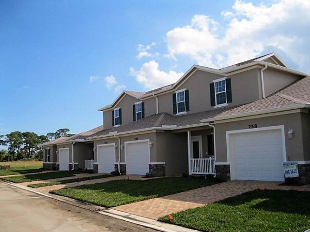 696 NE Waters Edge Lane, Port Saint Lucie, FL 34983 (#RX-10580223) :: Ryan Jennings Group