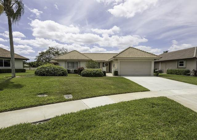 10338 Greentrail Drive N, Boynton Beach, FL 33436 (#RX-10585146) :: Ryan Jennings Group
