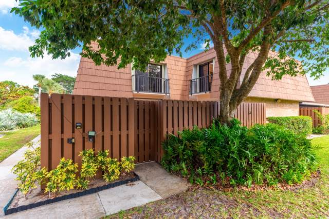 5722 SE Riverboat Drive, Stuart, FL 34997 (#RX-10589232) :: Ryan Jennings Group