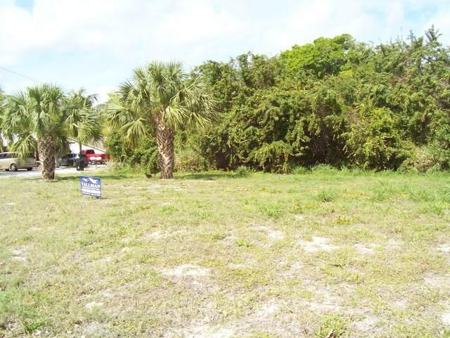 000 SE Parkway Drive, Hobe Sound, FL 33455 (#RX-10593865) :: Ryan Jennings Group