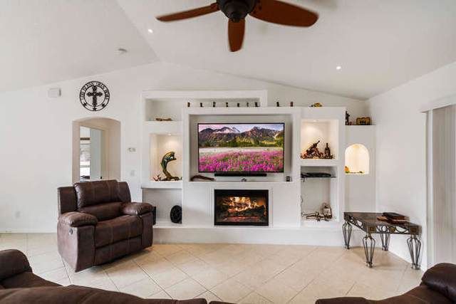 237 SW Twig Avenue, Port Saint Lucie, FL 34983 (MLS #RX-10595027) :: Berkshire Hathaway HomeServices EWM Realty