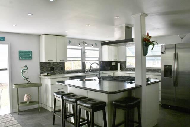 6980 SE Ridgeway Terrace, Hobe Sound, FL 33455 (MLS #RX-10598428) :: Berkshire Hathaway HomeServices EWM Realty