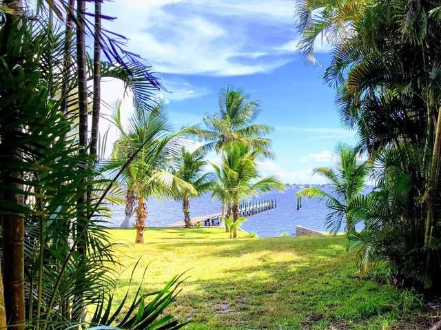 935 NE Banyan Tree Drive, Jensen Beach, FL 34957 (#RX-10599187) :: Ryan Jennings Group