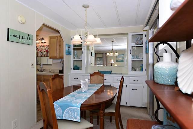 910 Laurel Circle, Barefoot Bay, FL 32976 (MLS #RX-10607382) :: Berkshire Hathaway HomeServices EWM Realty