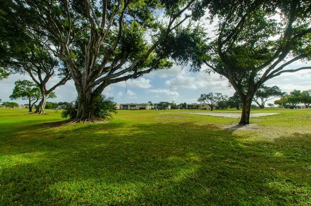 13 Flanders A A, Delray Beach, FL 33484 (#RX-10608324) :: Ryan Jennings Group