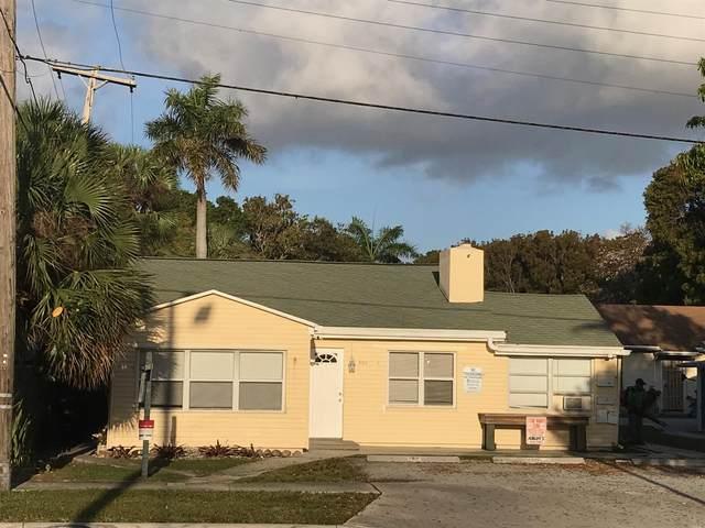 4811 N Flagler Drive, West Palm Beach, FL 33407 (#RX-10611191) :: The Rizzuto Woodman Team