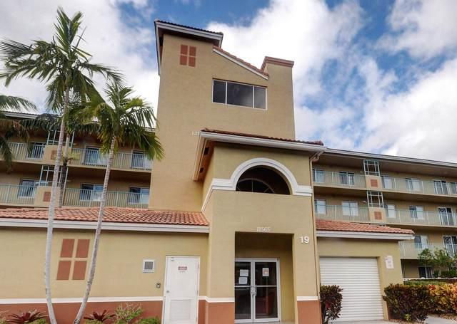 12565 Imperial Isle Drive #303, Boynton Beach, FL 33437 (#RX-10611257) :: Ryan Jennings Group