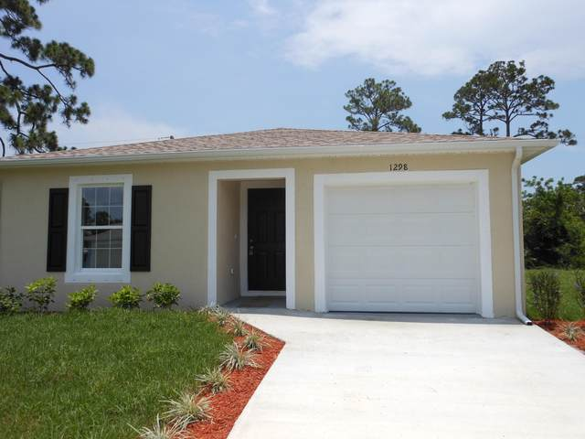1298 11th Avenue SW, Vero Beach, FL 32962 (#RX-10611607) :: Ryan Jennings Group