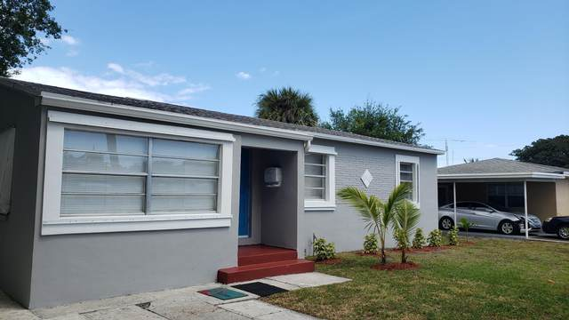 215 Silver Beach Road, Lake Park, FL 33403 (#RX-10611942) :: Ryan Jennings Group