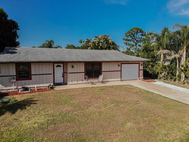667 SE Starfish Avenue, Port Saint Lucie, FL 34983 (#RX-10614280) :: Ryan Jennings Group