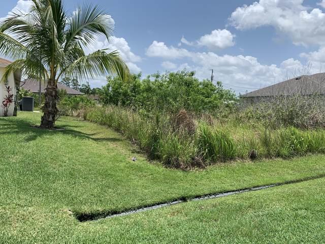 2381 SW Vale Street, Port Saint Lucie, FL 34953 (#RX-10625500) :: Ryan Jennings Group