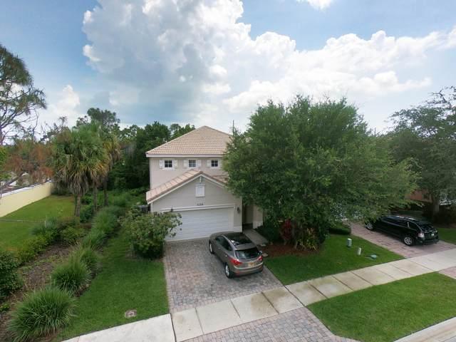 5729 SE Crooked Oak Avenue, Hobe Sound, FL 33455 (#RX-10626392) :: The Reynolds Team/ONE Sotheby's International Realty