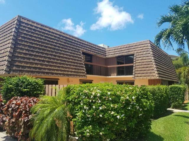 8 Atrium Circle A, Atlantis, FL 33462 (MLS #RX-10628058) :: Castelli Real Estate Services