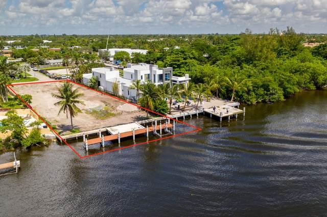 945 Palm Trail, Delray Beach, FL 33483 (#RX-10631959) :: Ryan Jennings Group