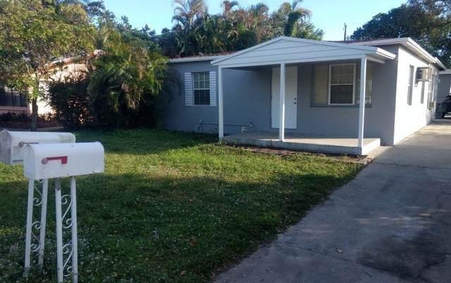 244 SW 21st Street, Fort Lauderdale, FL 33315 (MLS #RX-10635683) :: The Paiz Group