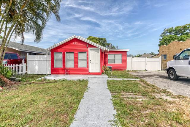 205 Walker Avenue, Greenacres, FL 33463 (#RX-10636157) :: The Rizzuto Woodman Team