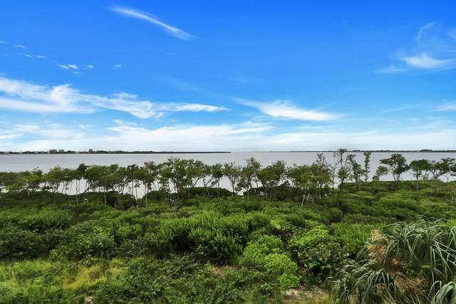 23 Harbour Isle Drive #303, Fort Pierce, FL 34949 (MLS #RX-10642063) :: Berkshire Hathaway HomeServices EWM Realty