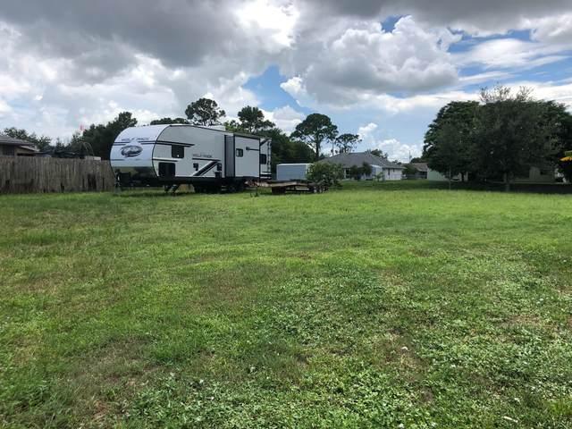 1988 SW Monterrey Lane, Port Saint Lucie, FL 34953 (MLS #RX-10642464) :: Berkshire Hathaway HomeServices EWM Realty
