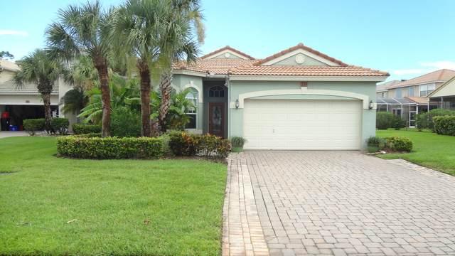 239 NW Red Cedar Street, Jensen Beach, FL 34957 (#RX-10644858) :: The Rizzuto Woodman Team