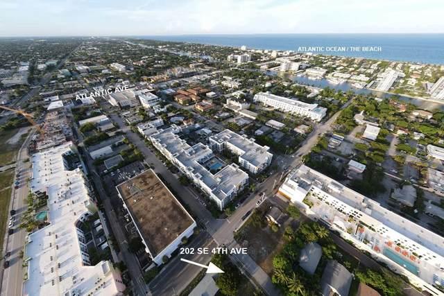 202 SE 4th Avenue, Delray Beach, FL 33483 (#RX-10651078) :: The Rizzuto Woodman Team