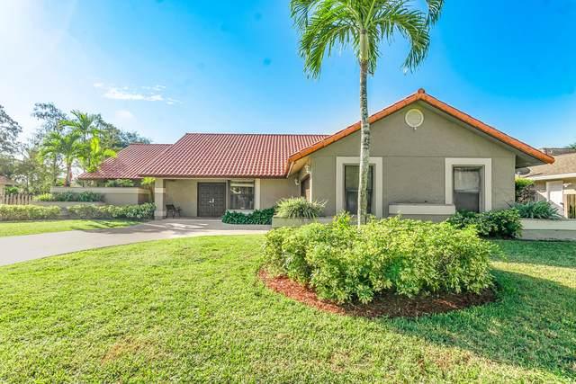 14526 Paddock Drive, Wellington, FL 33414 (MLS #RX-10661001) :: Berkshire Hathaway HomeServices EWM Realty