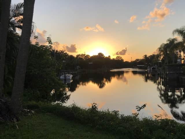 7842 SE Paradise Drive, Stuart, FL 34997 (MLS #RX-10663091) :: Berkshire Hathaway HomeServices EWM Realty