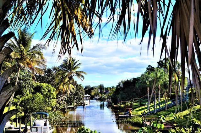 501 NE Airoso Boulevard, Port Saint Lucie, FL 34983 (MLS #RX-10675589) :: Laurie Finkelstein Reader Team
