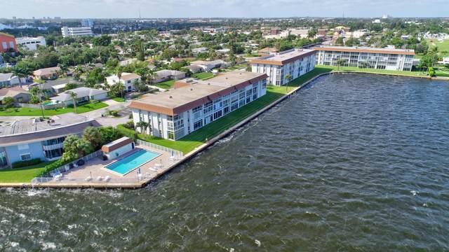 2936 Lake Shore Drive #401, Riviera Beach, FL 33404 (#RX-10675735) :: Dalton Wade