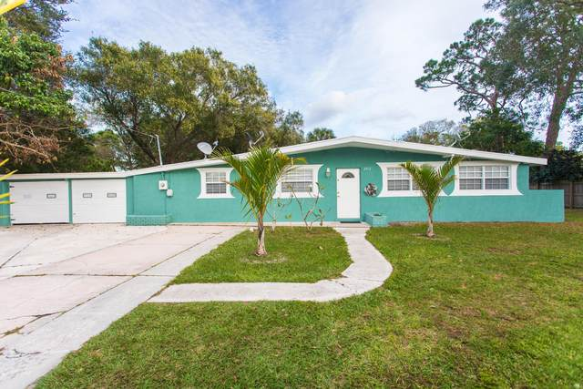 2512 S 15th Street, Fort Pierce, FL 34982 (MLS #RX-10675874) :: Laurie Finkelstein Reader Team