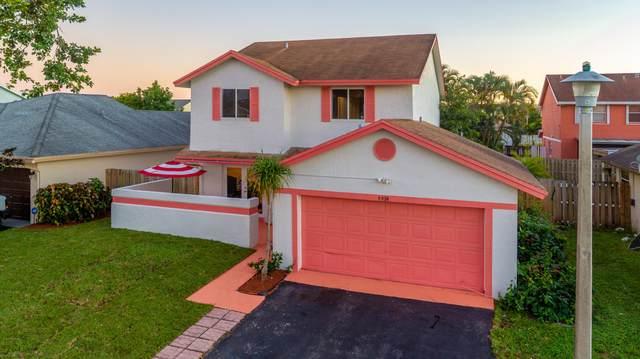 9950 SW 11th Street, Pembroke Pines, FL 33025 (MLS #RX-10676395) :: Laurie Finkelstein Reader Team