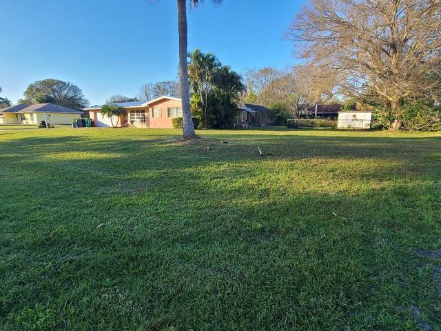 7500 Belleair Avenue, Fort Pierce, FL 34951 (MLS #RX-10682800) :: Berkshire Hathaway HomeServices EWM Realty