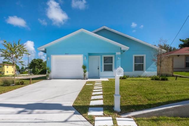 860 Dr Martin Luther King Jr Boulevard, Riviera Beach, FL 33404 (#RX-10695860) :: Michael Kaufman Real Estate