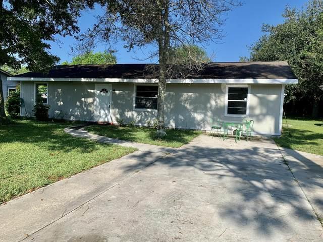 3103 W Dixie Boulevard, Fort Pierce, FL 34946 (#RX-10698012) :: IvaniaHomes   Keller Williams Reserve Palm Beach