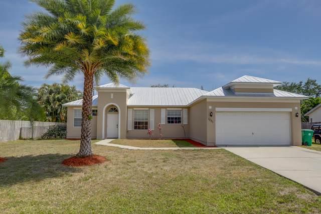 1731 SE Ridgewood Street, Port Saint Lucie, FL 34952 (MLS #RX-10703145) :: The Jack Coden Group