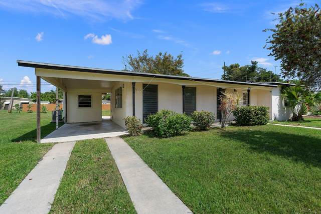 121 Banyan Drive, Port Saint Lucie, FL 34952 (MLS #RX-10703309) :: The Jack Coden Group