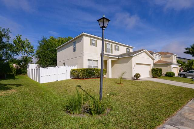 707 Carriage Lake Way, Vero Beach, FL 32968 (MLS #RX-10704894) :: The Paiz Group