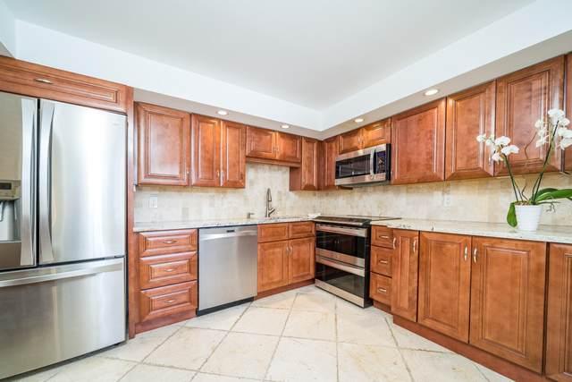 501 SW 11th Place #101, Boca Raton, FL 33432 (MLS #RX-10707202) :: Berkshire Hathaway HomeServices EWM Realty