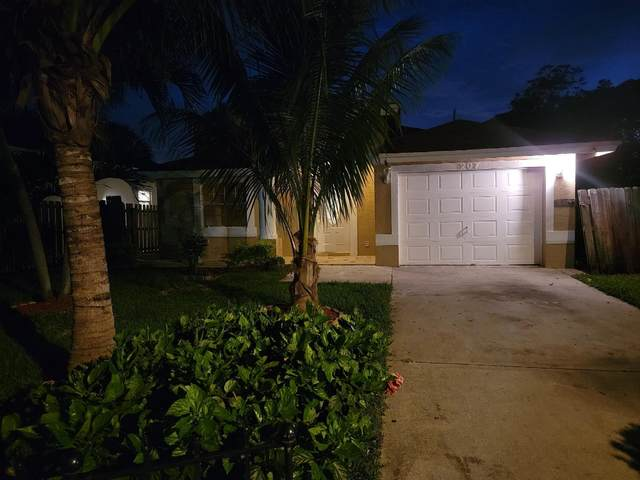 207 N E Street, Lake Worth Beach, FL 33460 (#RX-10714038) :: Baron Real Estate